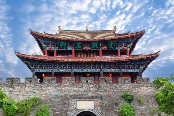 丽江旅游哪个月最合适?丽江香格里拉旅游路线?